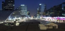 Bezoek La Défense ook eens 's avonds