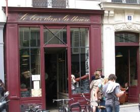 """Thee- en lunchsalon """"Le Loir dans la Théière"""" (4e arr)"""