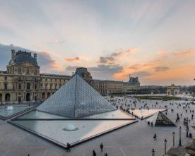De Louvre Pyramide 30 jaar