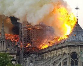 Onderzoek in de puinhopen van de Notre Dame